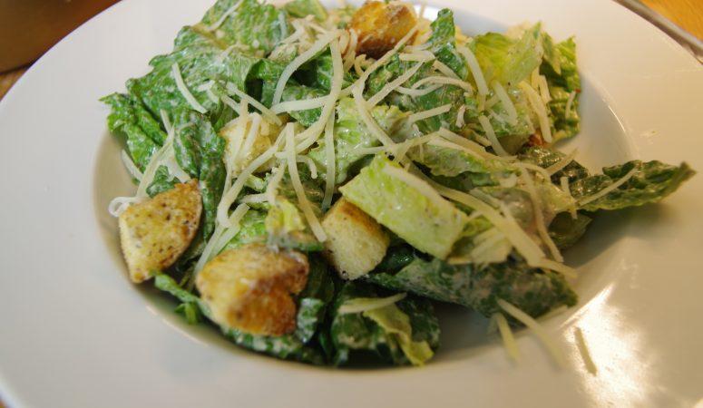 Creamy Caesar salad dressing