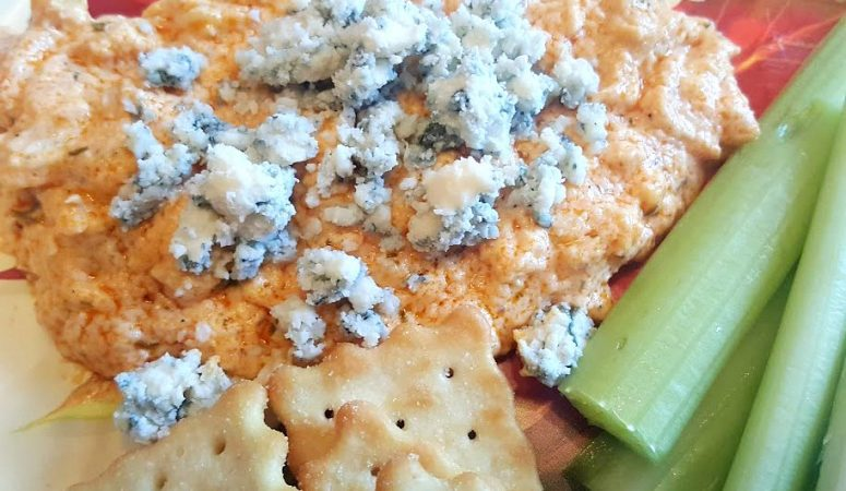 Instant Pot Buffalo Beer-cooked Chicken Dip
