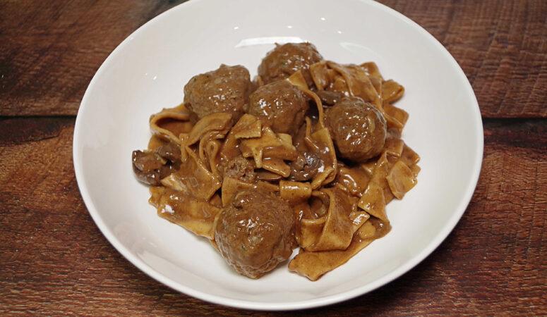 Instant Pot Meatballs With Mushroom Gravy